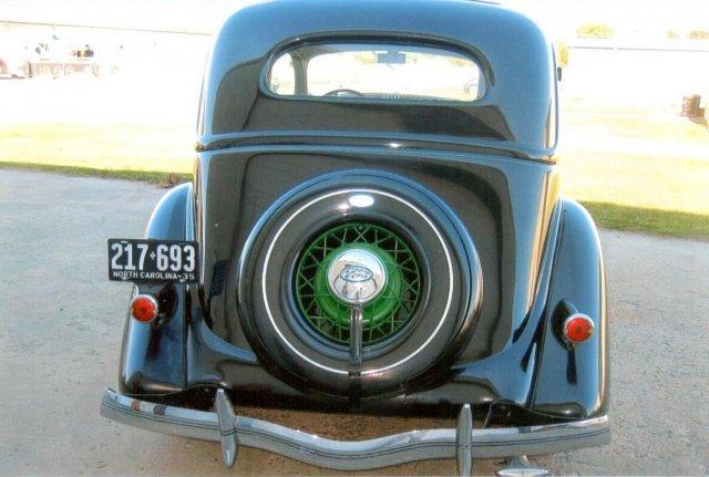 1935 Ford Slantback
